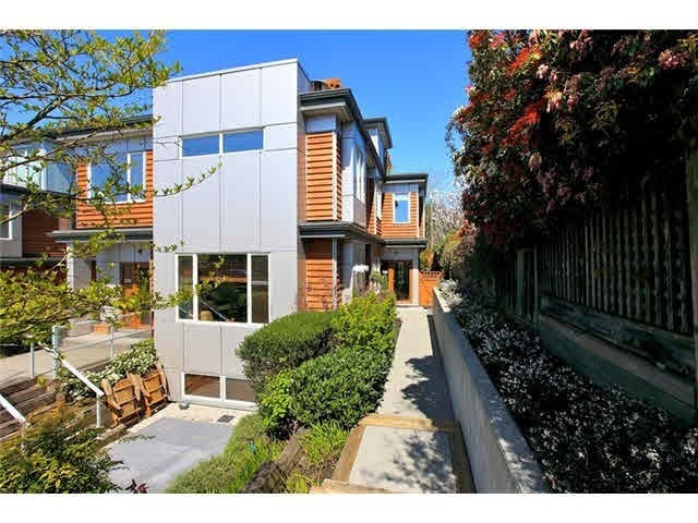 236 W 17TH STREET - Central Lonsdale Townhouse for sale, 3 Bedrooms (R2594590)
