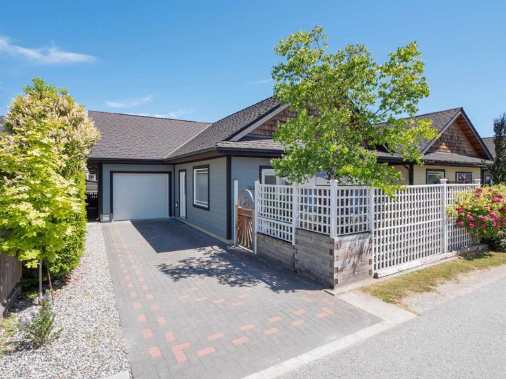 768 GERUSSI LANE - Gibsons & Area House/Single Family for sale, 2 Bedrooms (R2595684)