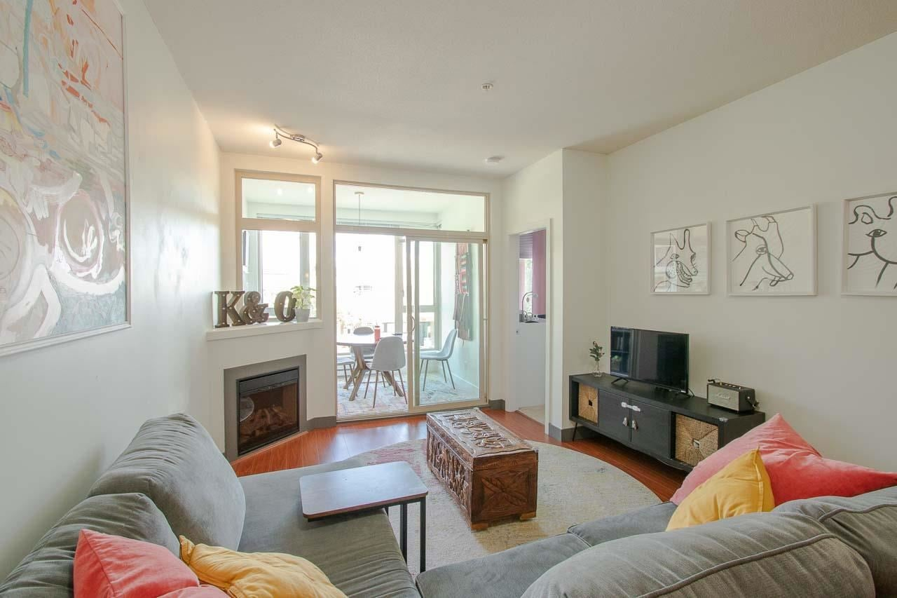 206 688 E 17TH AVENUE - Fraser VE Apartment/Condo for sale, 2 Bedrooms (R2595987)