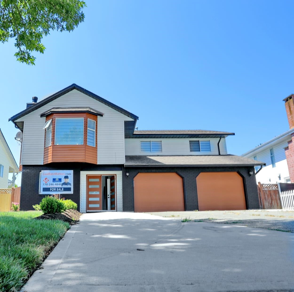 8745 129 STREET - Queen Mary Park Surrey House/Single Family for sale, 6 Bedrooms (R2596199)