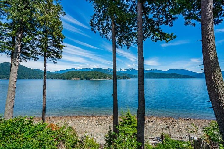 766 THE GROVE ROAD - Gambier Island House/Single Family for sale, 3 Bedrooms (R2596250)