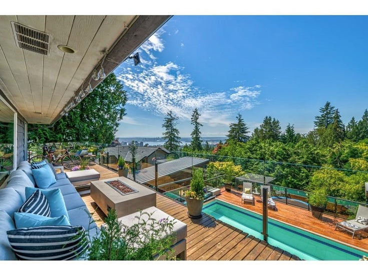 2955 ST. KILDA AVENUE - Upper Lonsdale House/Single Family for sale, 4 Bedrooms (R2596314)