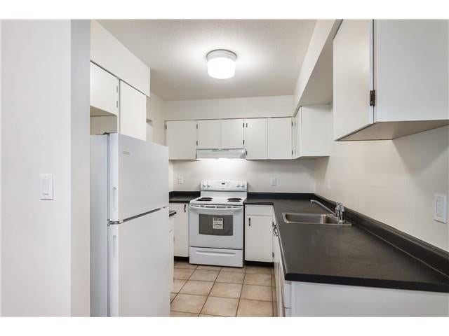 305 10560 154 STREET - Guildford Apartment/Condo for sale, 2 Bedrooms (R2596367)