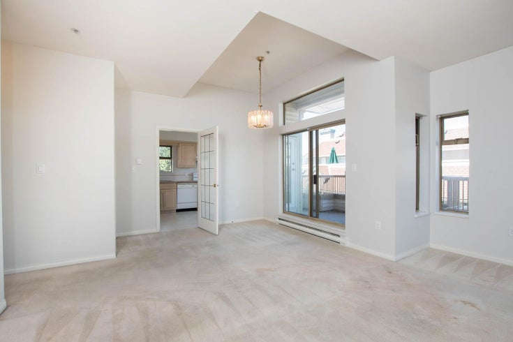 301 1118 55 STREET - Tsawwassen Central Apartment/Condo for sale, 2 Bedrooms (R2596618)