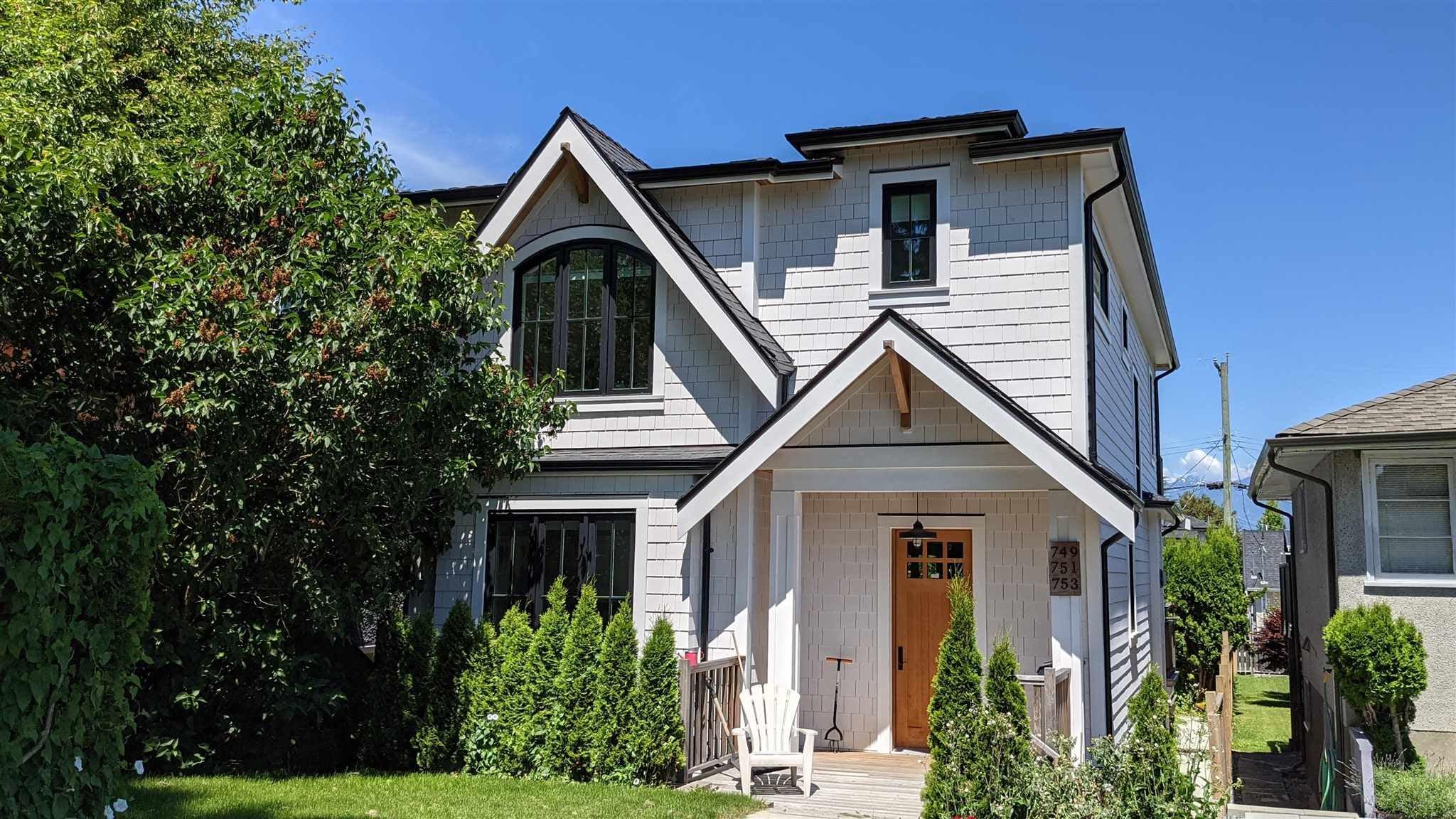 749 E 31ST AVENUE - Fraser VE House/Single Family for sale, 6 Bedrooms (R2596629) - #1