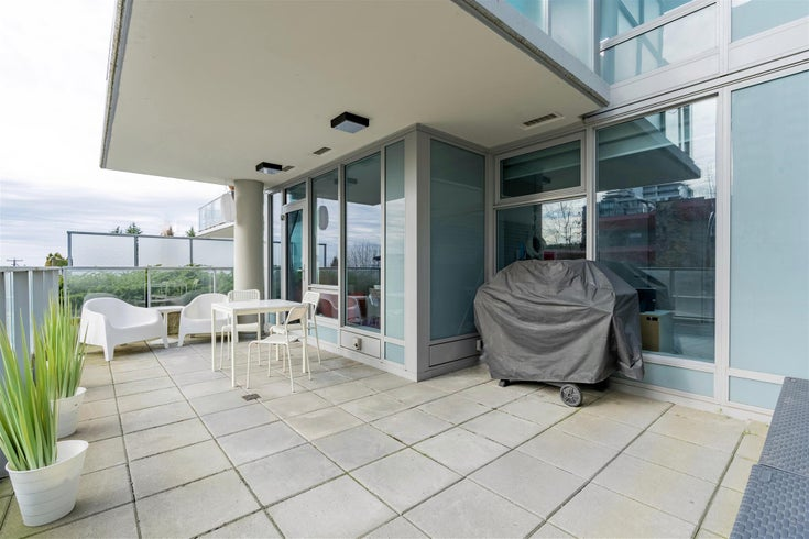 211 150 W 15TH STREET - Central Lonsdale Apartment/Condo for sale, 2 Bedrooms (R2597061)