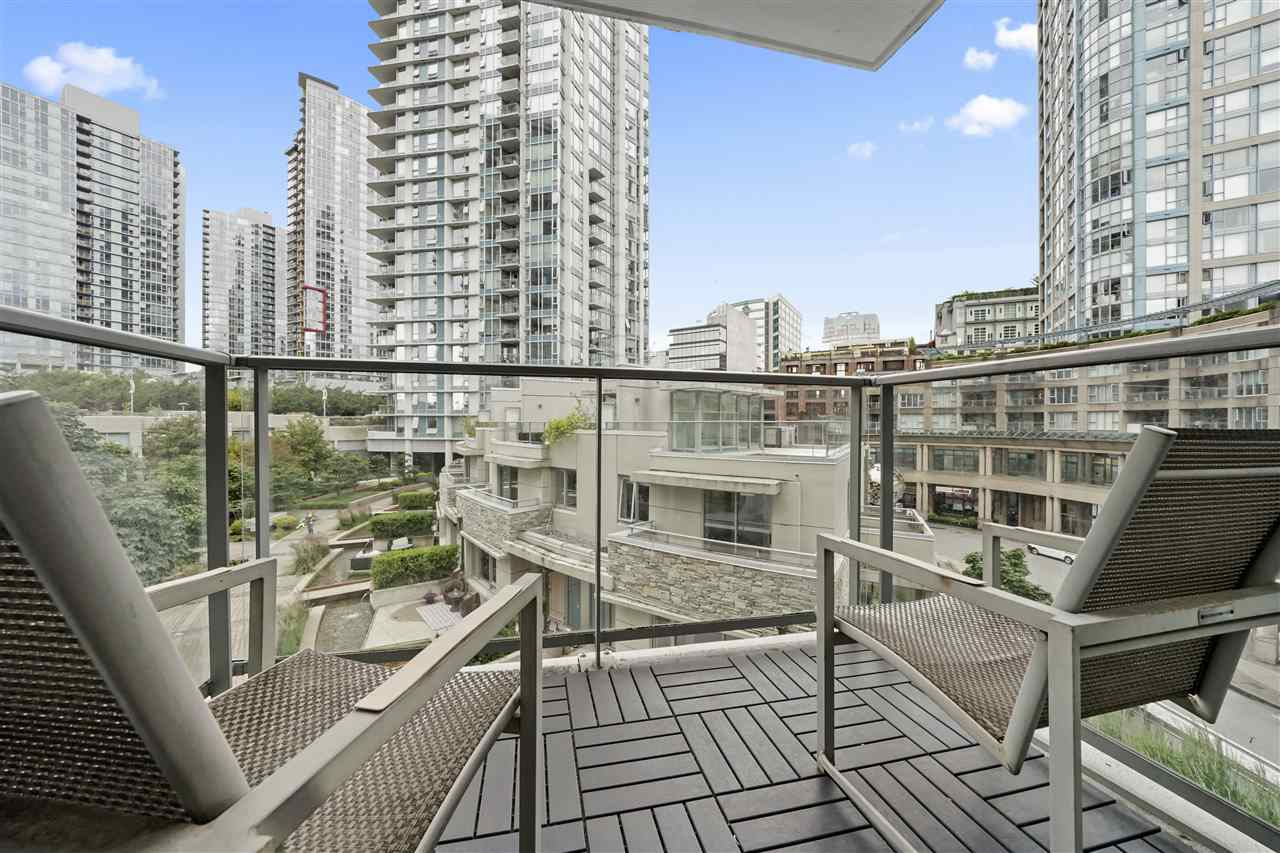 506 633 ABBOTT STREET - Downtown VW Apartment/Condo for sale, 2 Bedrooms (R2598045) - #1