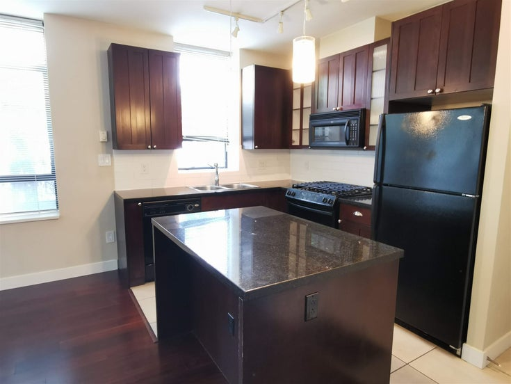 215 170 W 1ST STREET - Lower Lonsdale Apartment/Condo for sale, 2 Bedrooms (R2598047)