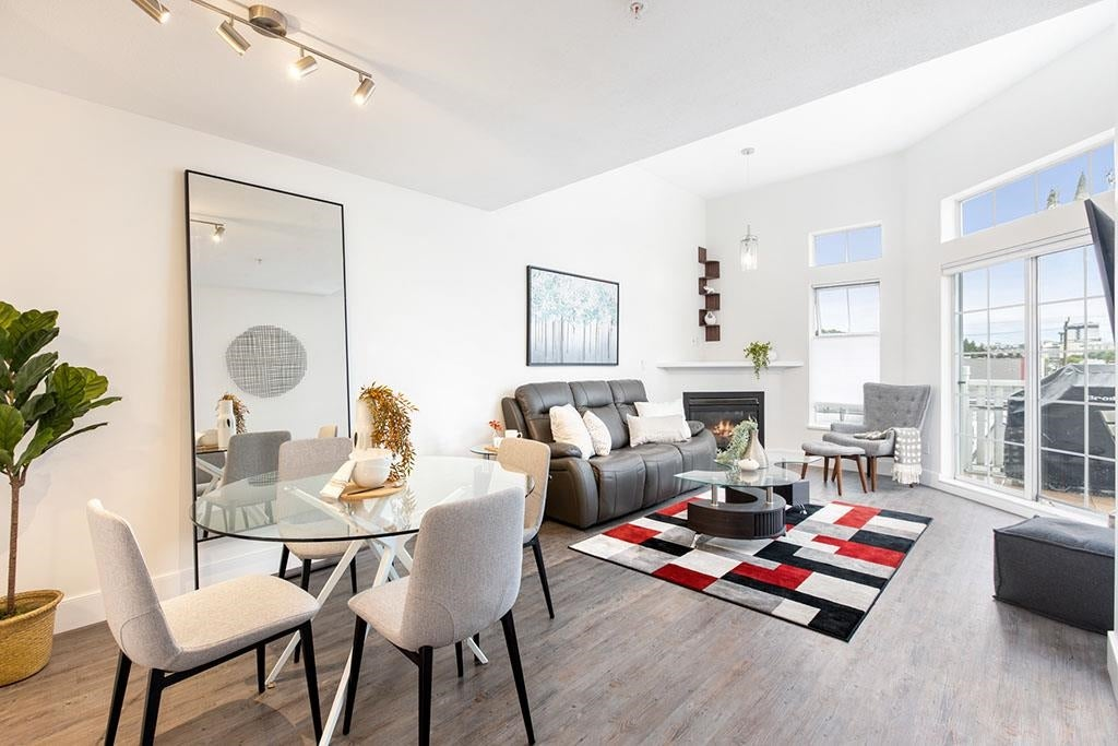 418 147 E 1ST STREET - Lower Lonsdale Apartment/Condo for sale, 2 Bedrooms (R2598098) - #1