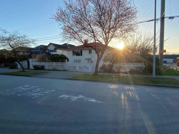 10511 LASSAM ROAD - Steveston North House/Single Family for sale, 3 Bedrooms (R2598445)