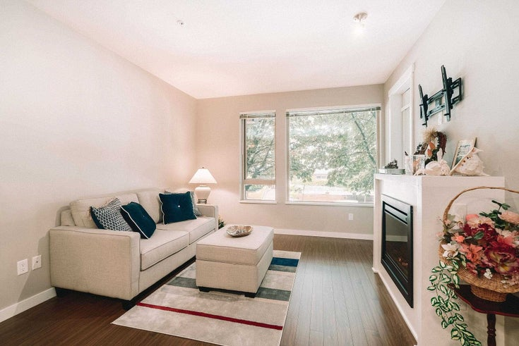 214 119 W 22ND STREET - Central Lonsdale Apartment/Condo for sale, 2 Bedrooms (R2598476)