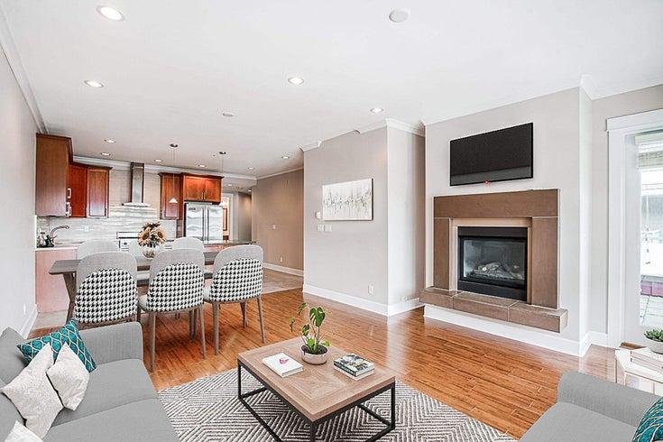 201 6688 ROYAL AVENUE - Horseshoe Bay WV Apartment/Condo for sale, 2 Bedrooms (R2598710)