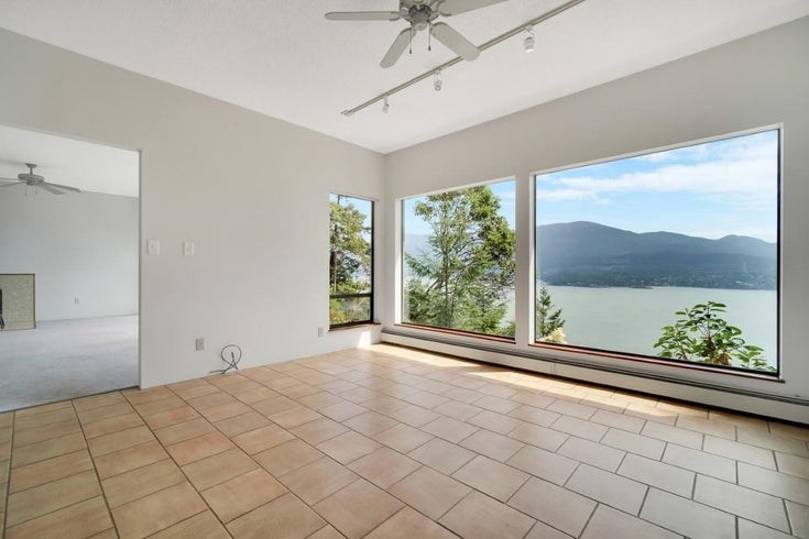 713 CHANNELVIEW DRIVE - Bowen Island House/Single Family for sale, 3 Bedrooms (R2599457)