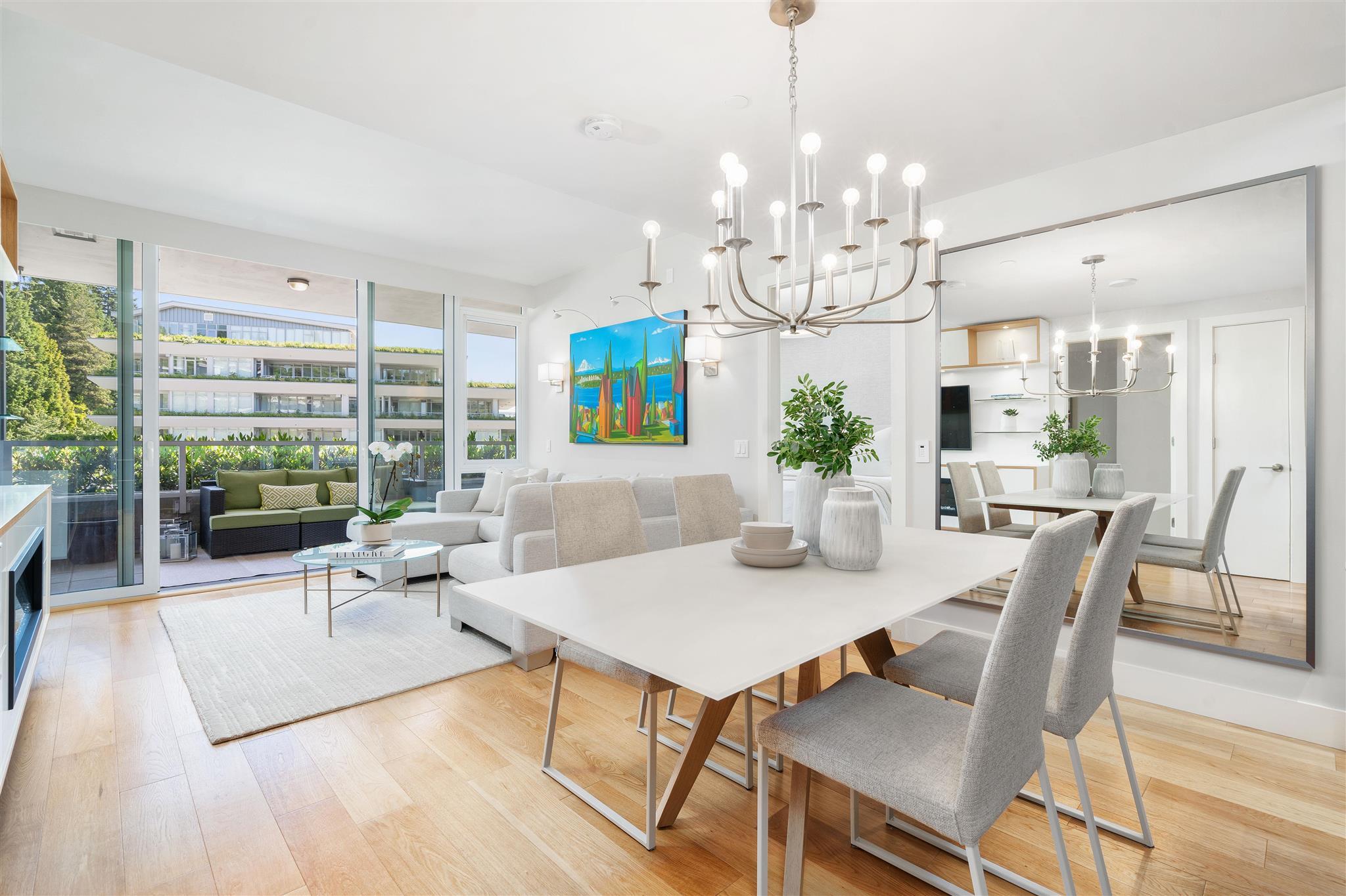 402 866 ARTHUR ERICKSON PLACE - Park Royal Apartment/Condo for sale, 2 Bedrooms (R2599460)