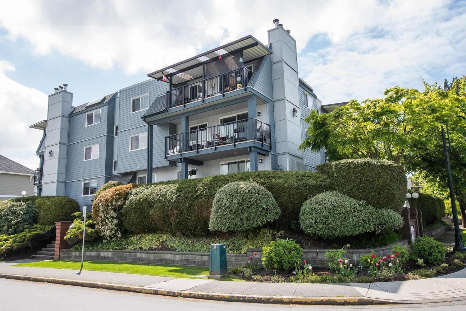 110 4926 48 AVENUE - Ladner Elementary Apartment/Condo for sale, 2 Bedrooms (R2599576)