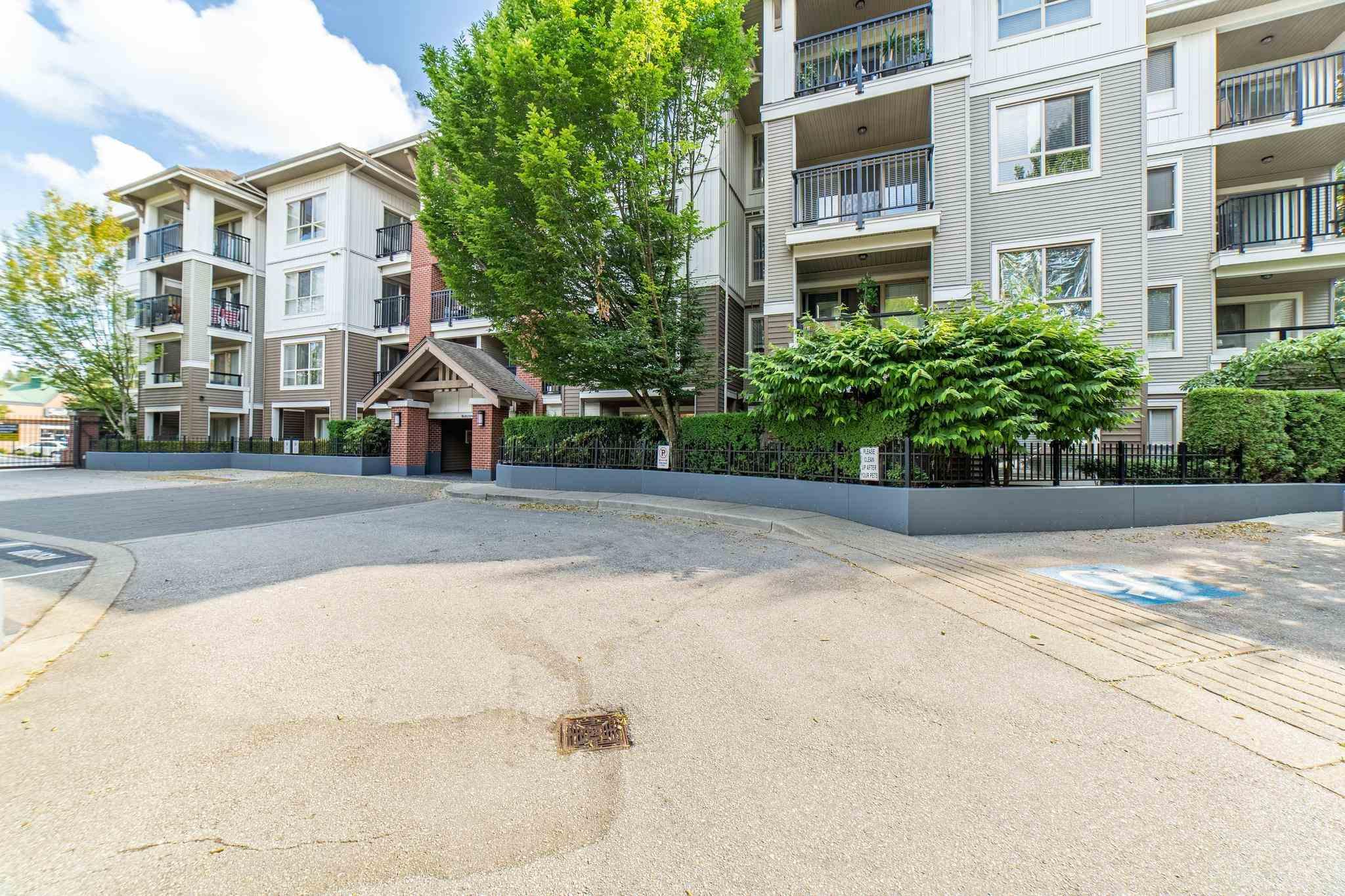 B208 8929 202 STREET - Walnut Grove Apartment/Condo for sale, 1 Bedroom (R2599622) - #1