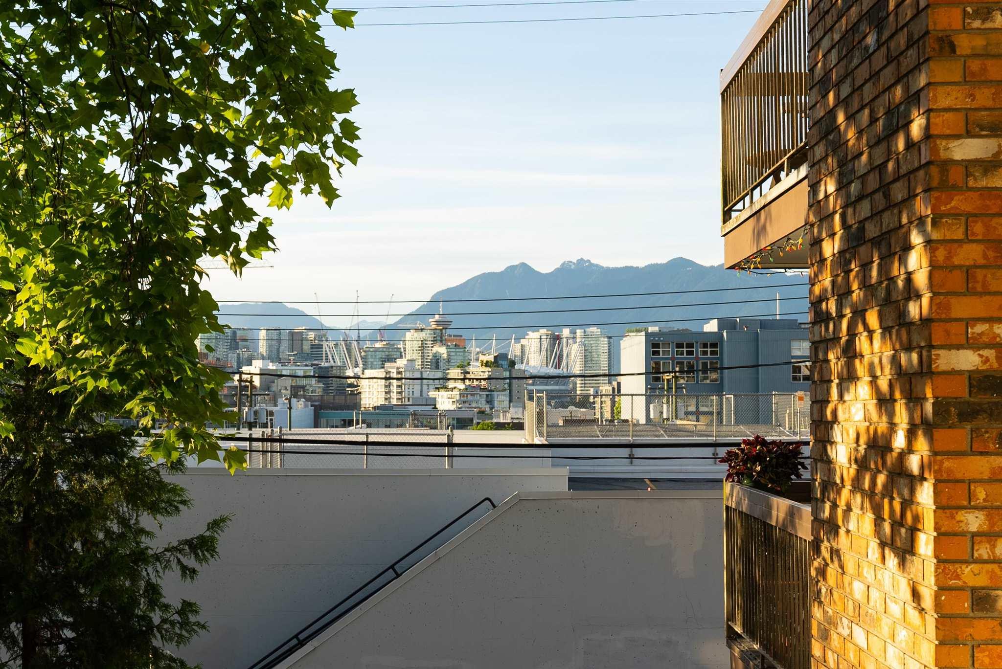 202 345 W 10TH AVENUE - Mount Pleasant VW Apartment/Condo for sale, 1 Bedroom (R2600049)