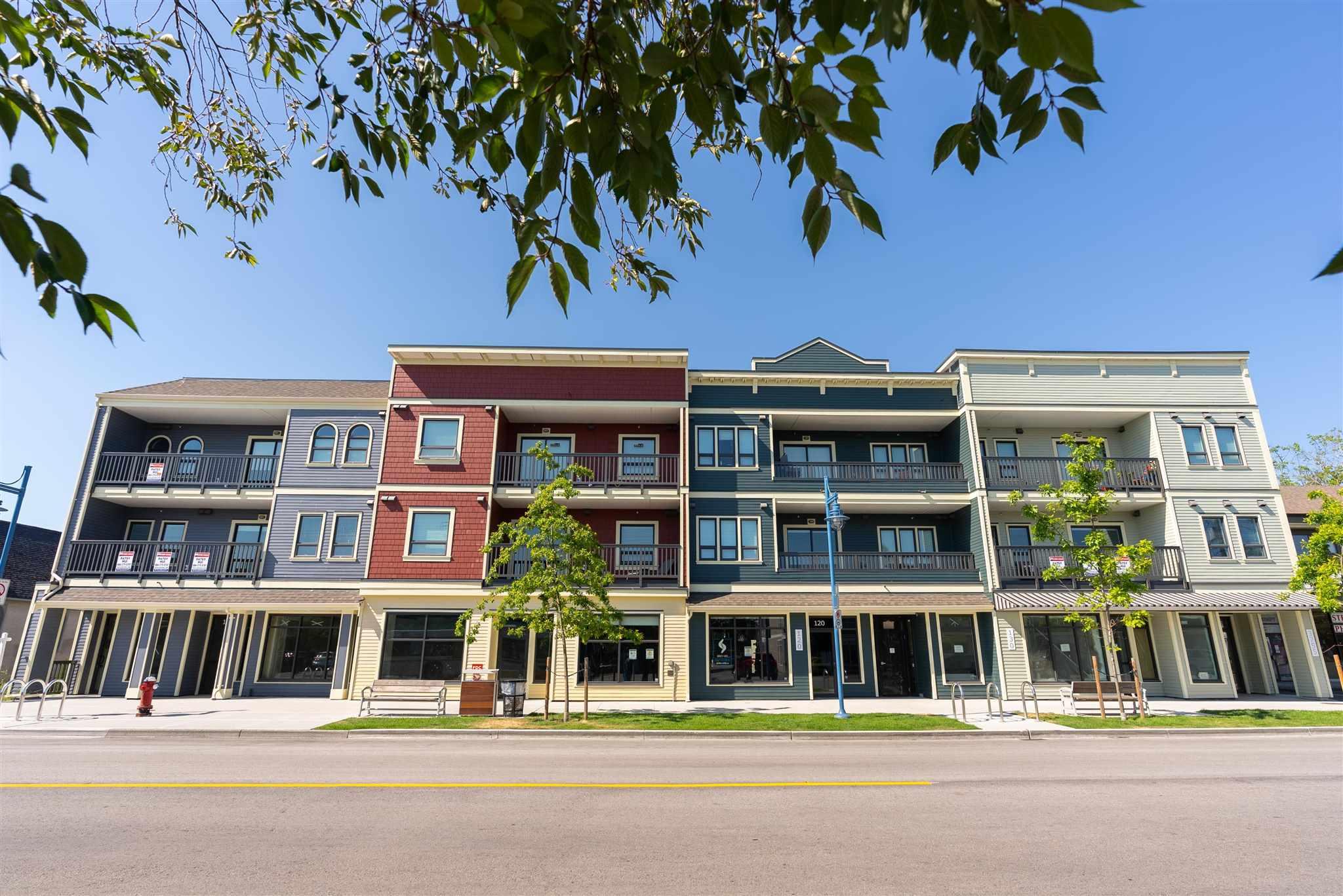 304 3755 CHATHAM STREET - Steveston Village Apartment/Condo for sale, 3 Bedrooms (R2600147)