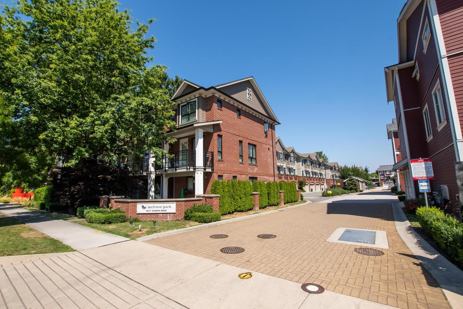107 9671 ALBERTA ROAD - McLennan North Townhouse for sale, 4 Bedrooms (R2600441)