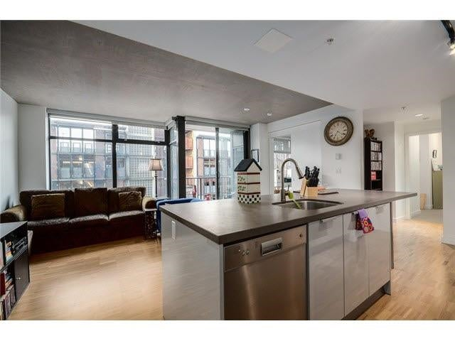 702 128 W CORDOVA STREET - Downtown VW Apartment/Condo for sale, 2 Bedrooms (R2600474) - #1