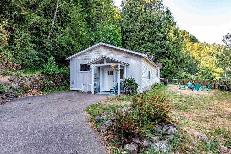 43240 VEDDER MOUNTAIN ROAD - Yarrow House with Acreage for sale, 4 Bedrooms (R2600557)