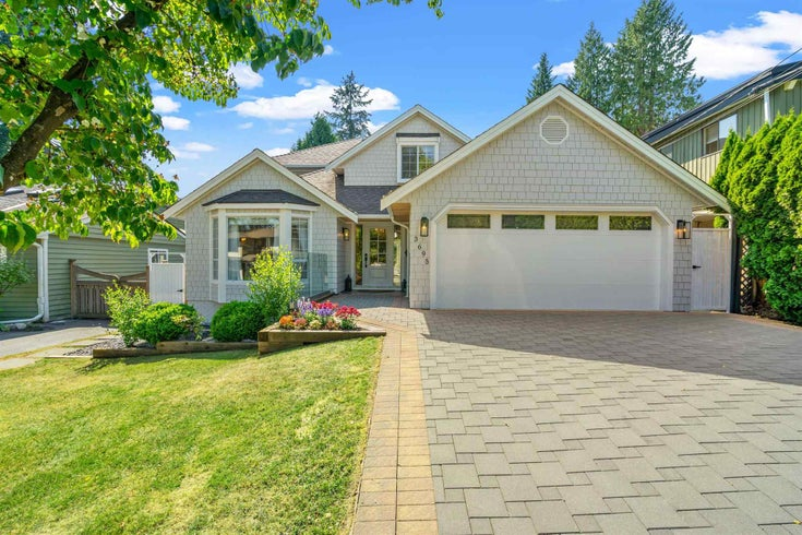 3695 CAMPBELL AVENUE - Lynn Valley House/Single Family for sale, 6 Bedrooms (R2600821)