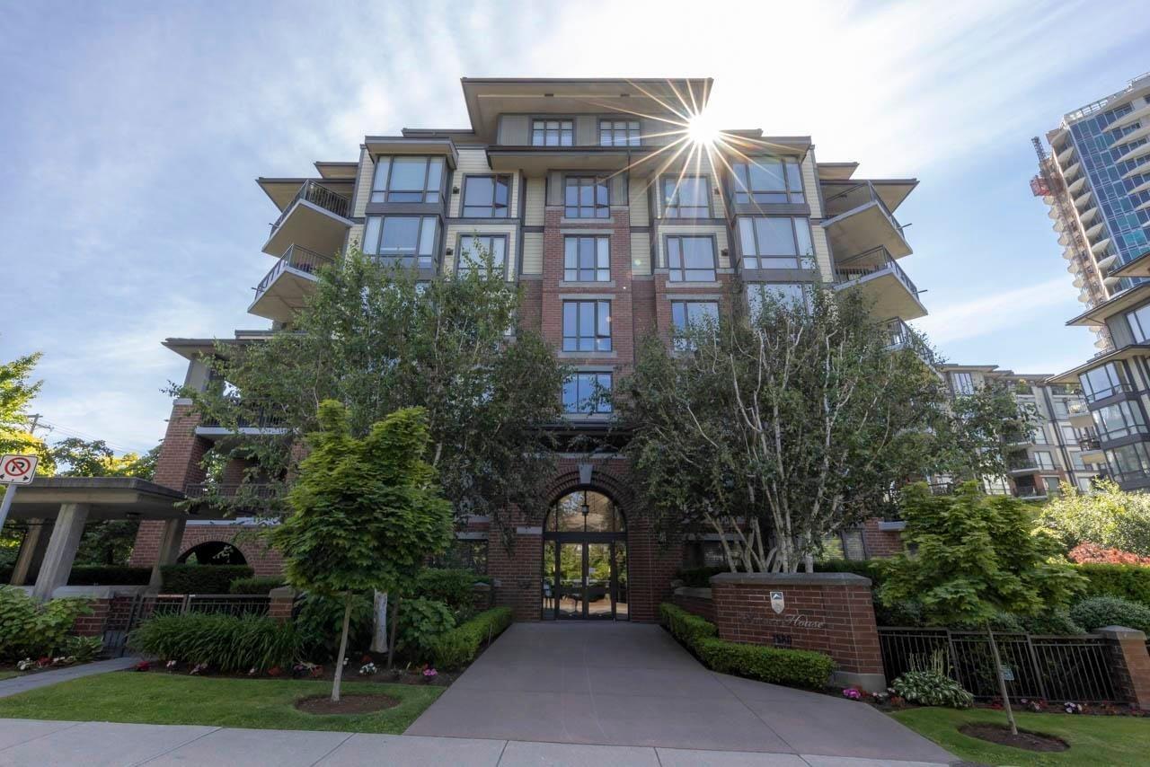 302 1580 MARTIN STREET - White Rock Apartment/Condo for sale, 2 Bedrooms (R2600899) - #1