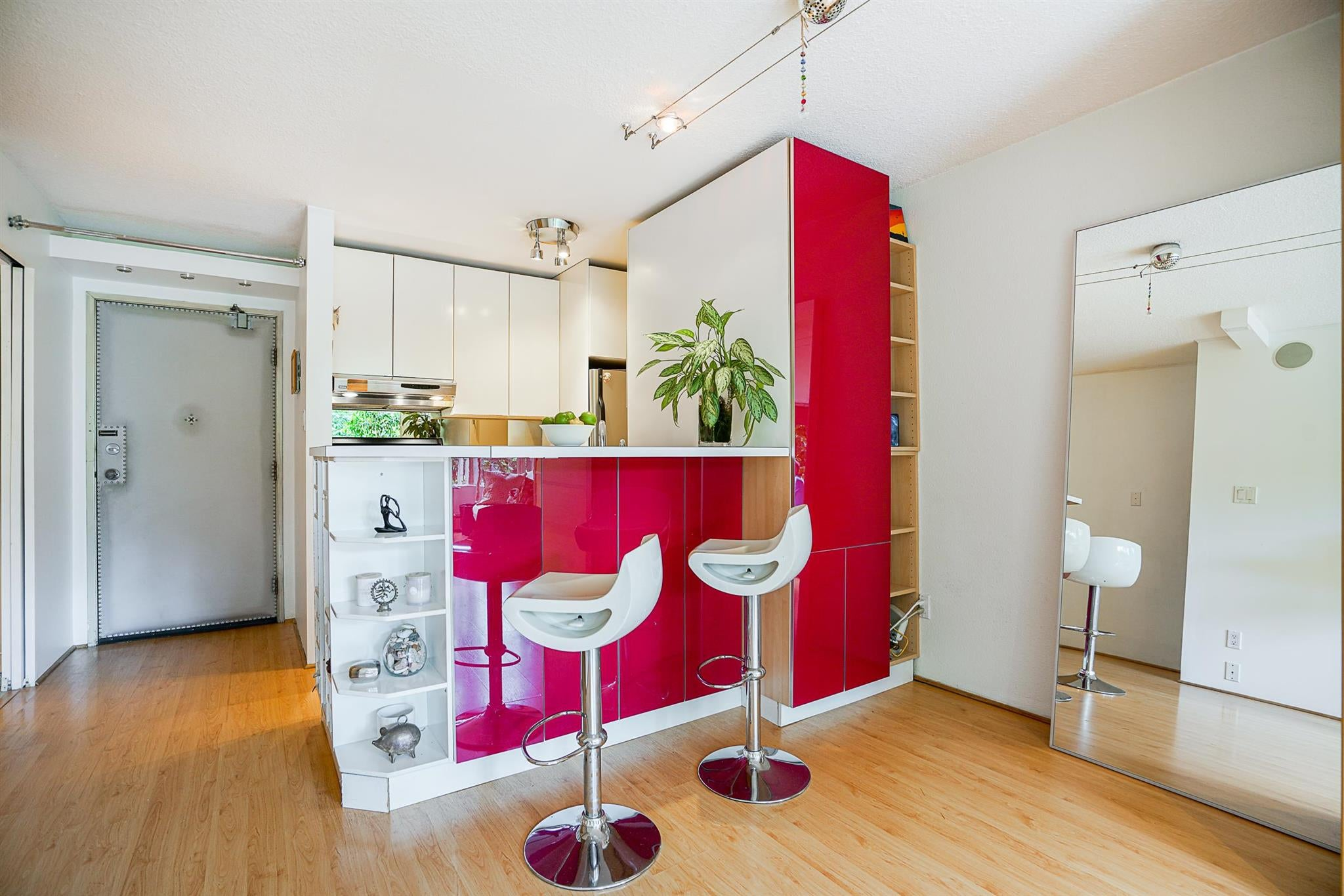 212 950 DRAKE STREET - Downtown VW Apartment/Condo for sale, 1 Bedroom (R2601044) - #1