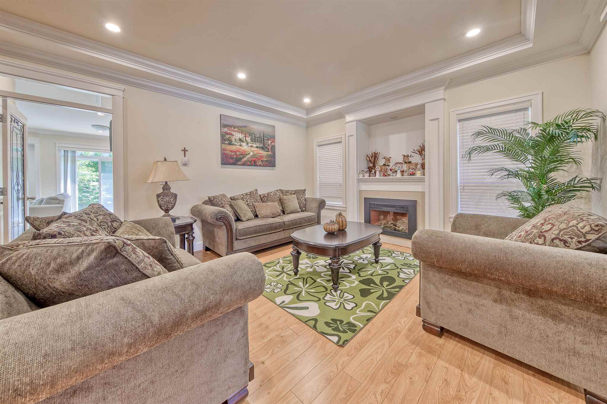 9560 BREDEN AVENUE - McLennan North House/Single Family for sale, 5 Bedrooms (R2601169)