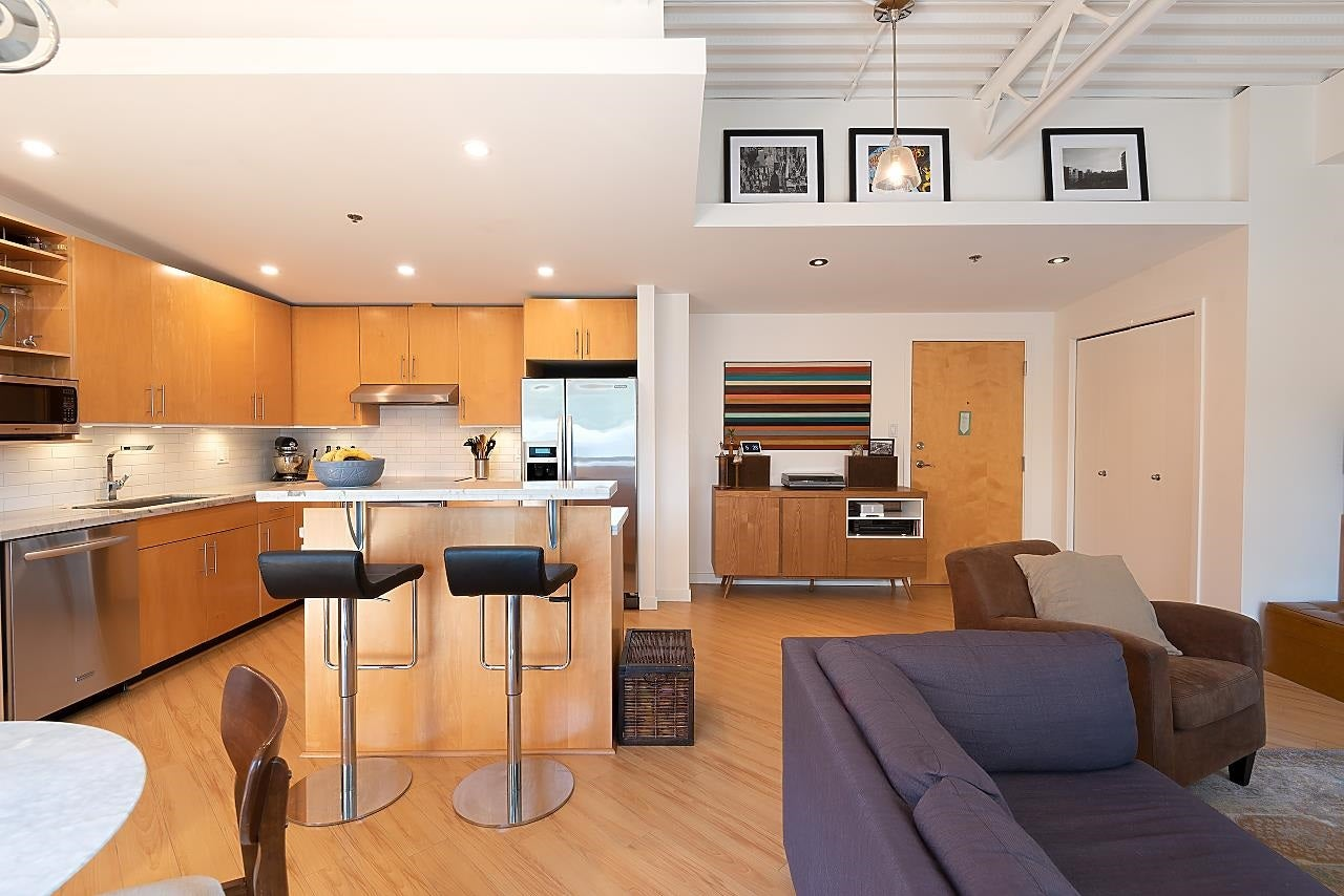 511 549 COLUMBIA STREET - Downtown NW Apartment/Condo for sale, 1 Bedroom (R2601275)
