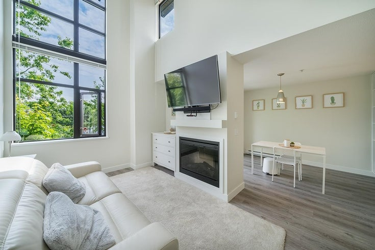 428 10838 CITY PARKWAY - Whalley Apartment/Condo for sale, 1 Bedroom (R2601533)