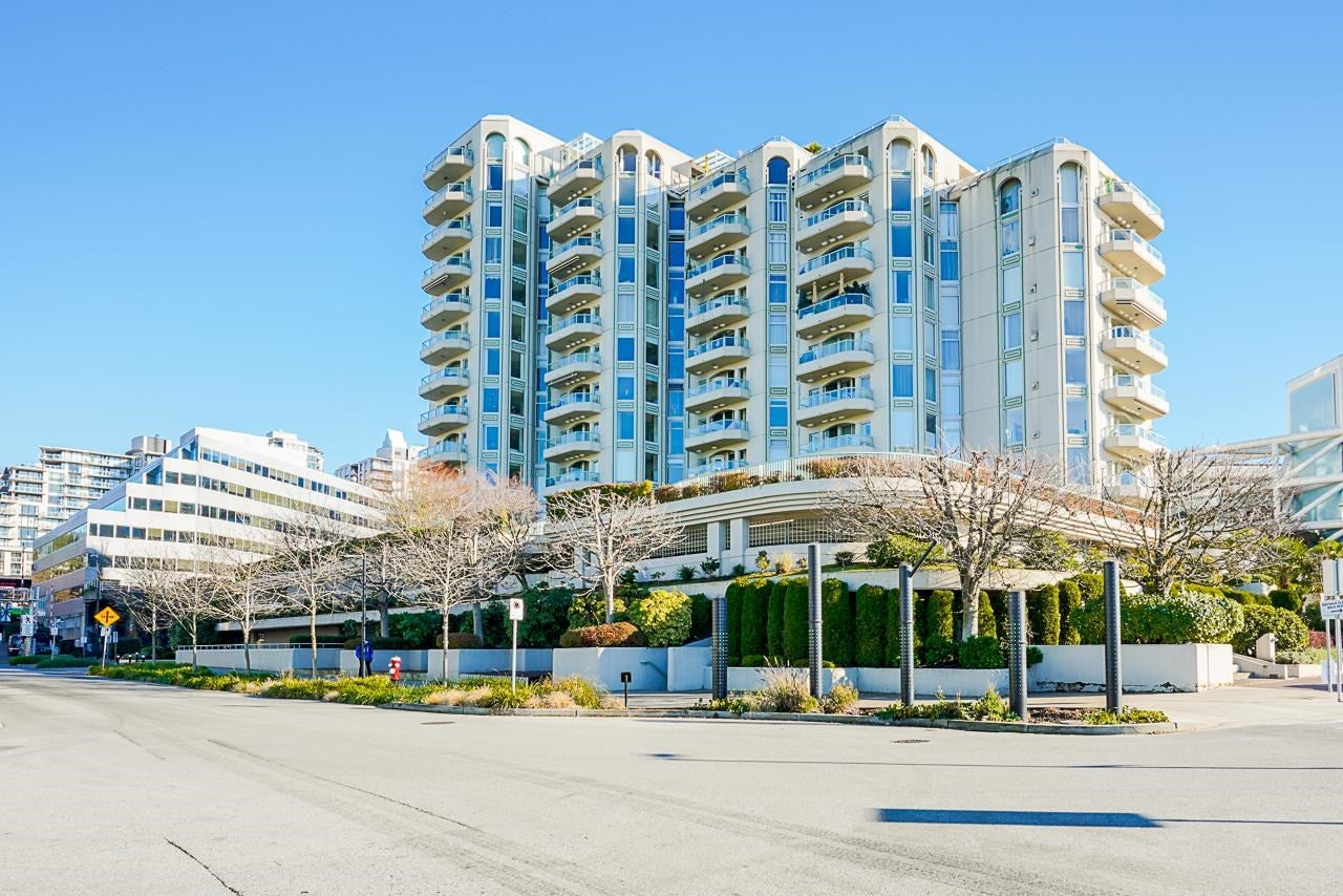206 168 CHADWICK COURT - Lower Lonsdale Apartment/Condo for sale, 2 Bedrooms (R2601802) - #1