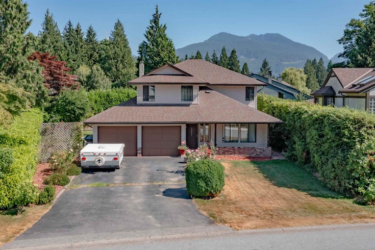 1001 PITLOCHRY WAY - Garibaldi Highlands House/Single Family for sale, 3 Bedrooms (R2602016)