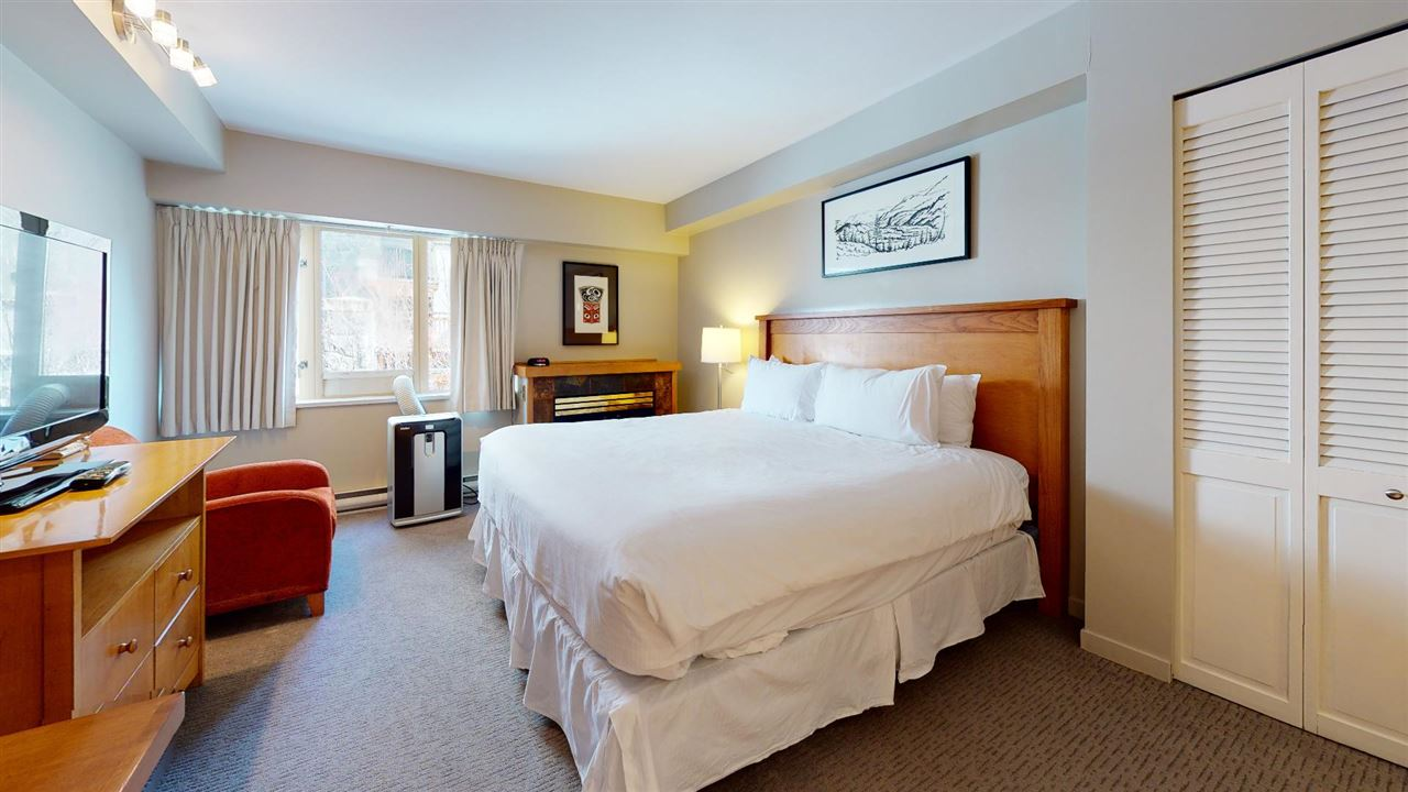 215 4295 BLACKCOMB WAY - Whistler Village Apartment/Condo for sale(R2602111)