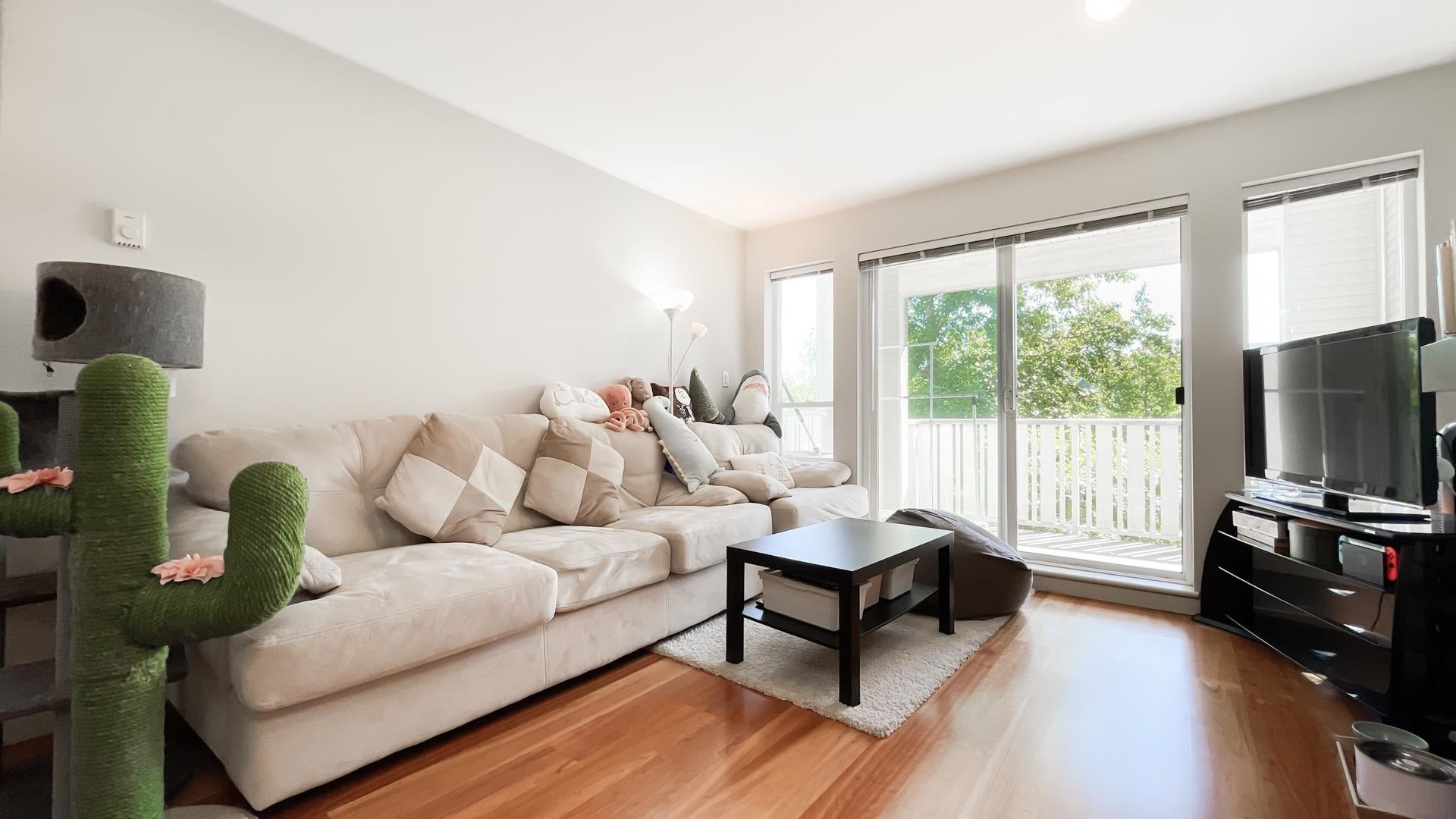 301 8060 JONES ROAD - Brighouse South Apartment/Condo for sale, 2 Bedrooms (R2602155)