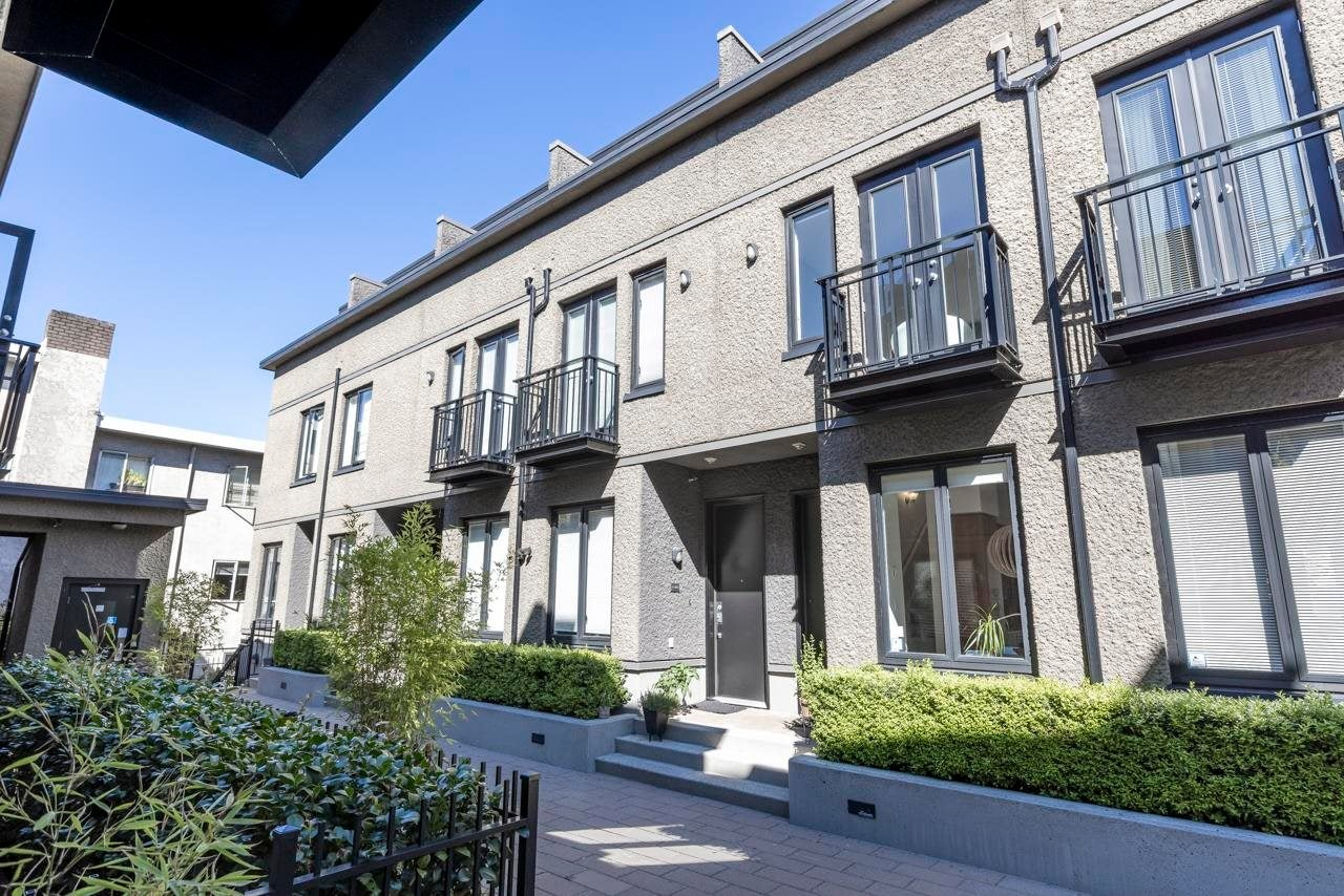 3 1425 W 11TH AVENUE - Fairview VW Townhouse for sale, 3 Bedrooms (R2602334)