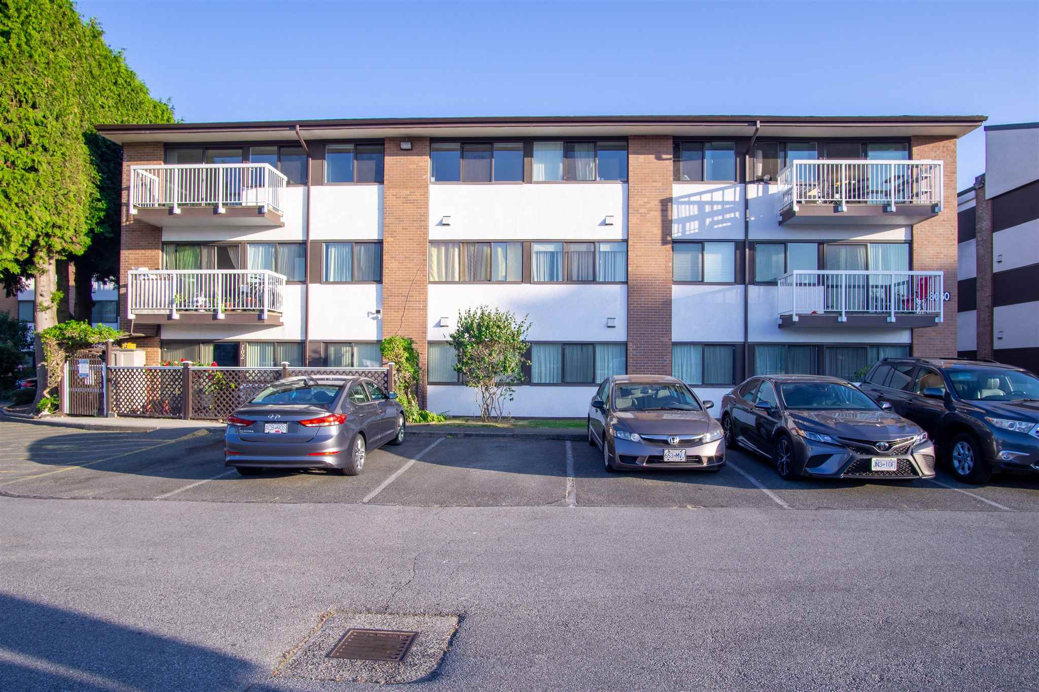 206 8060 RYAN ROAD - South Arm Apartment/Condo for sale, 3 Bedrooms (R2602539)