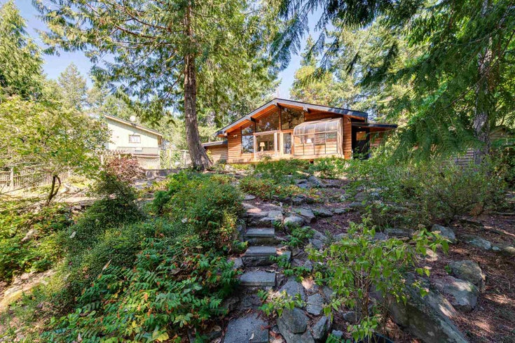 256 SPINNAKER DRIVE - Mayne Island House/Single Family for sale, 2 Bedrooms (R2602555)