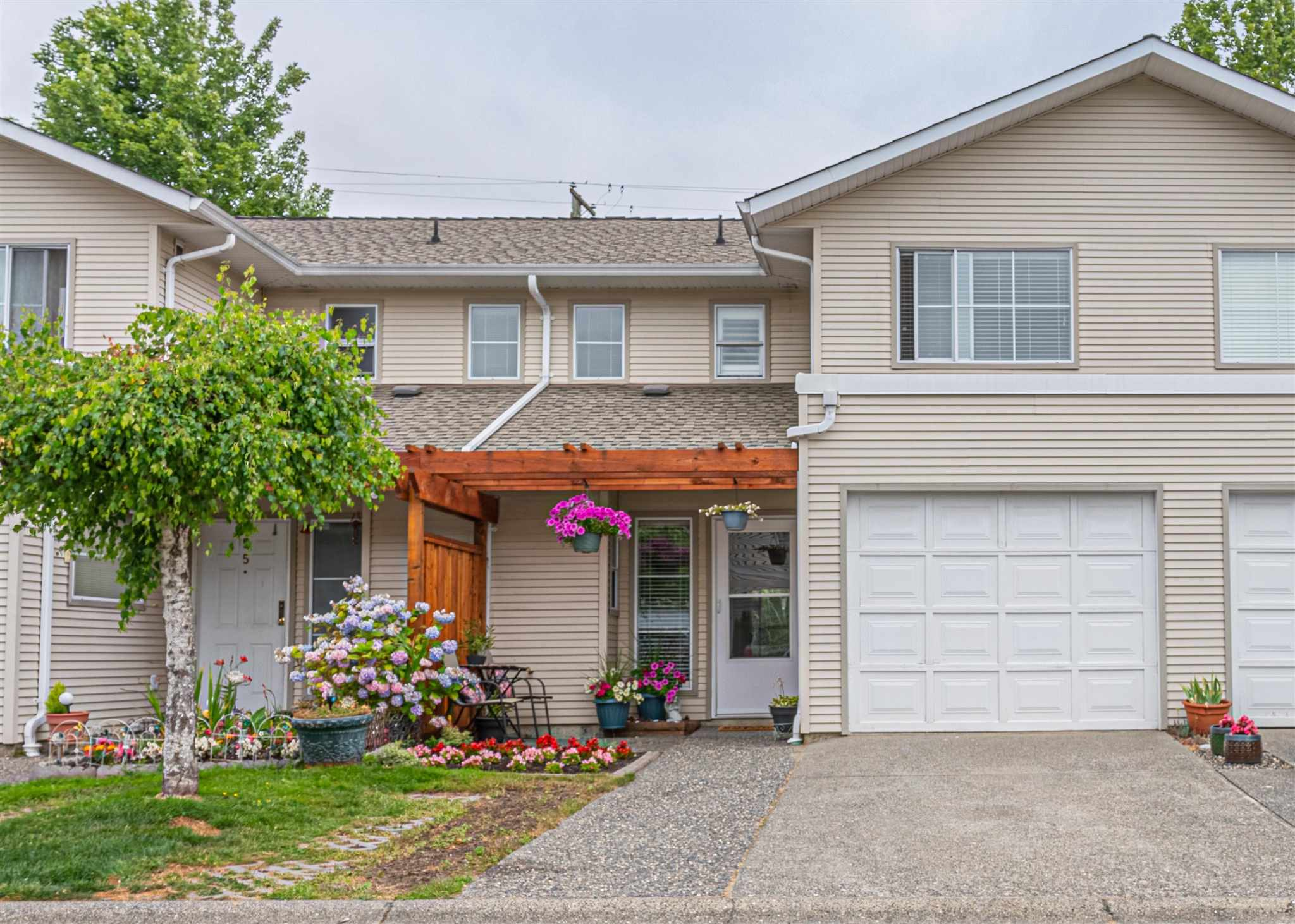 54 16016 82 AVE - Fleetwood Tynehead Townhouse for sale, 3 Bedrooms (R2602673)