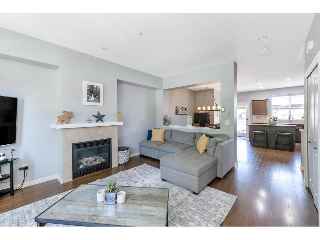 6956 208 STREET - Willoughby Heights Row House (Non-Strata) for sale, 4 Bedrooms (R2602745) - #8