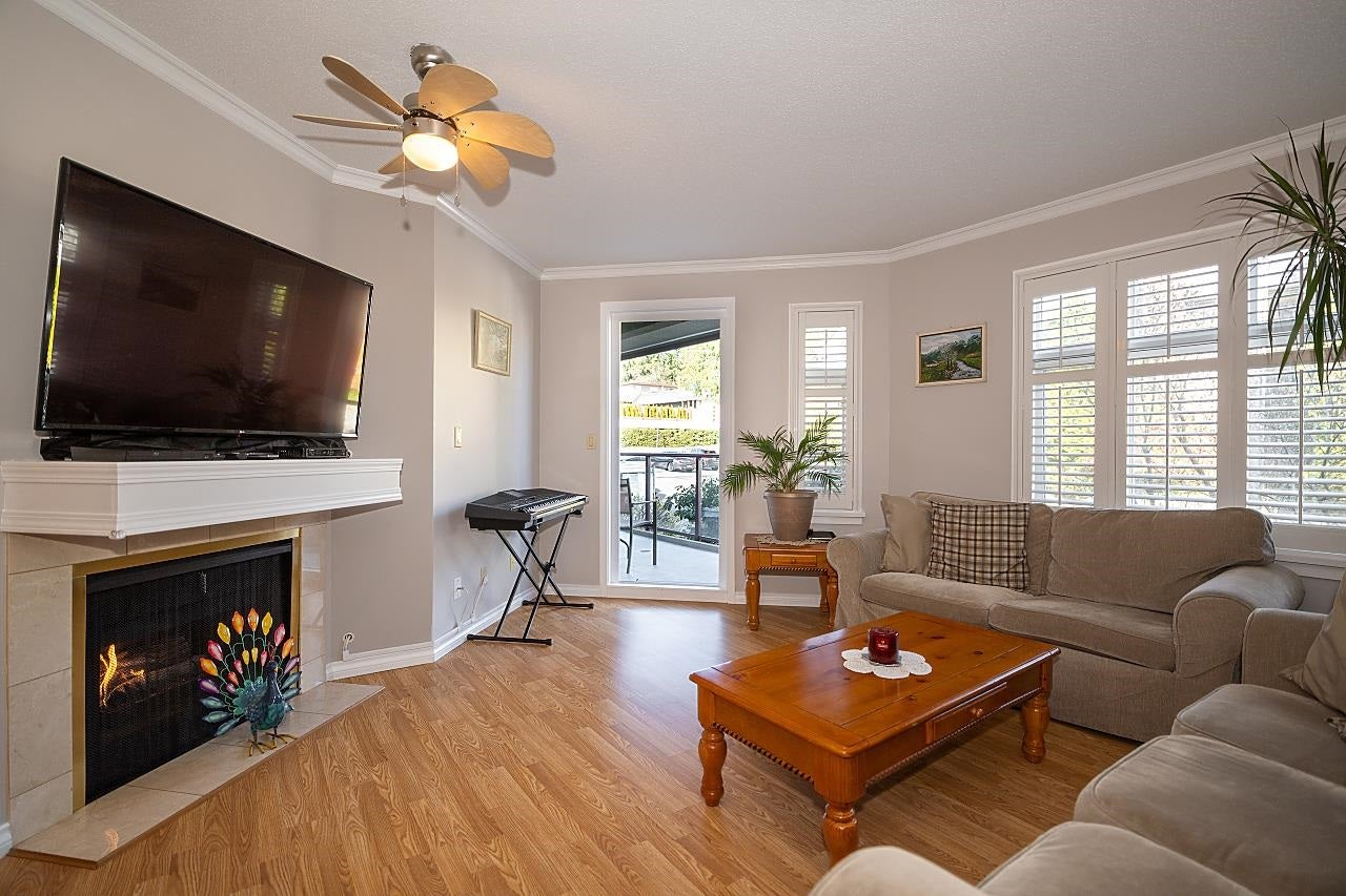 318 121 W 29TH STREET - Upper Lonsdale Apartment/Condo for sale, 2 Bedrooms (R2602824) - #1