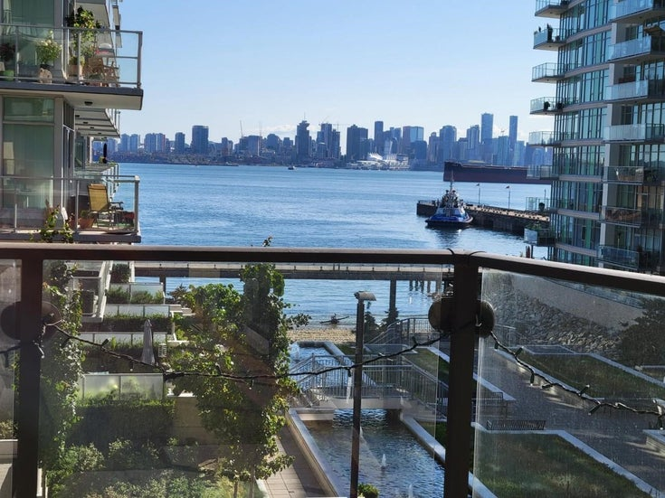 304 172 VICTORY SHIP WAY - Lower Lonsdale Apartment/Condo for sale, 2 Bedrooms (R2602883)