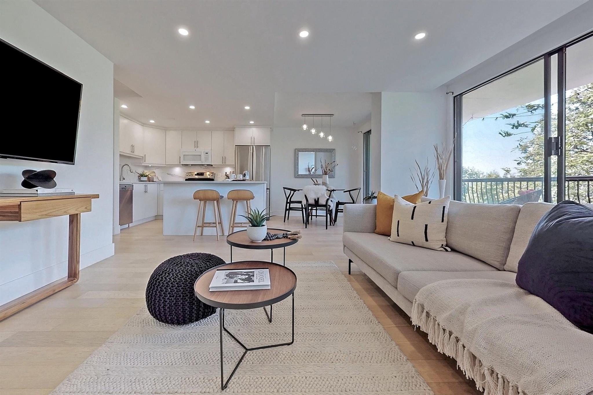 305 701 W VICTORIA PARK - Central Lonsdale Apartment/Condo for sale, 2 Bedrooms (R2602931)