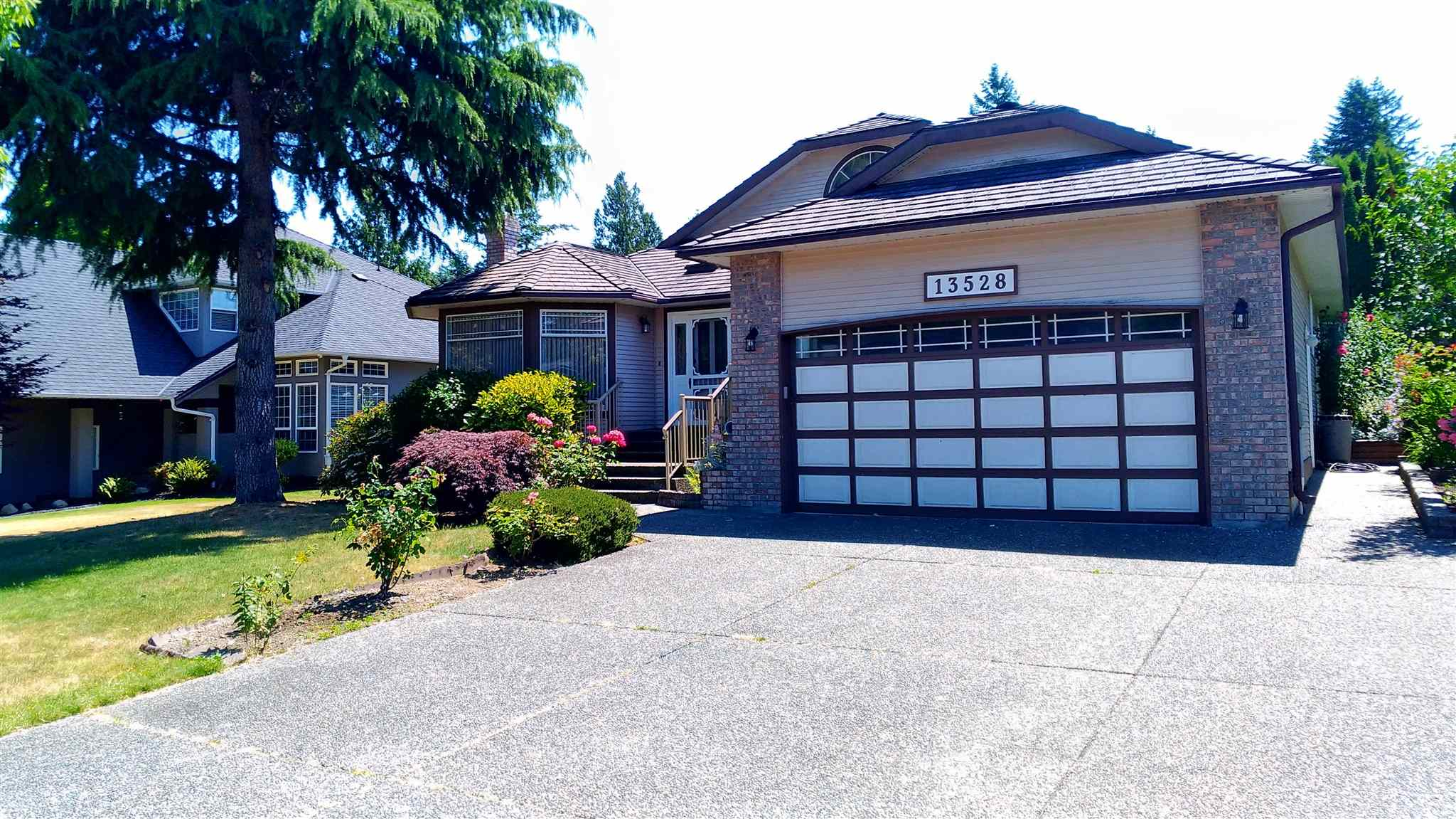 13528 60A AVENUE - Panorama Ridge House/Single Family for sale, 3 Bedrooms (R2602954) - #1