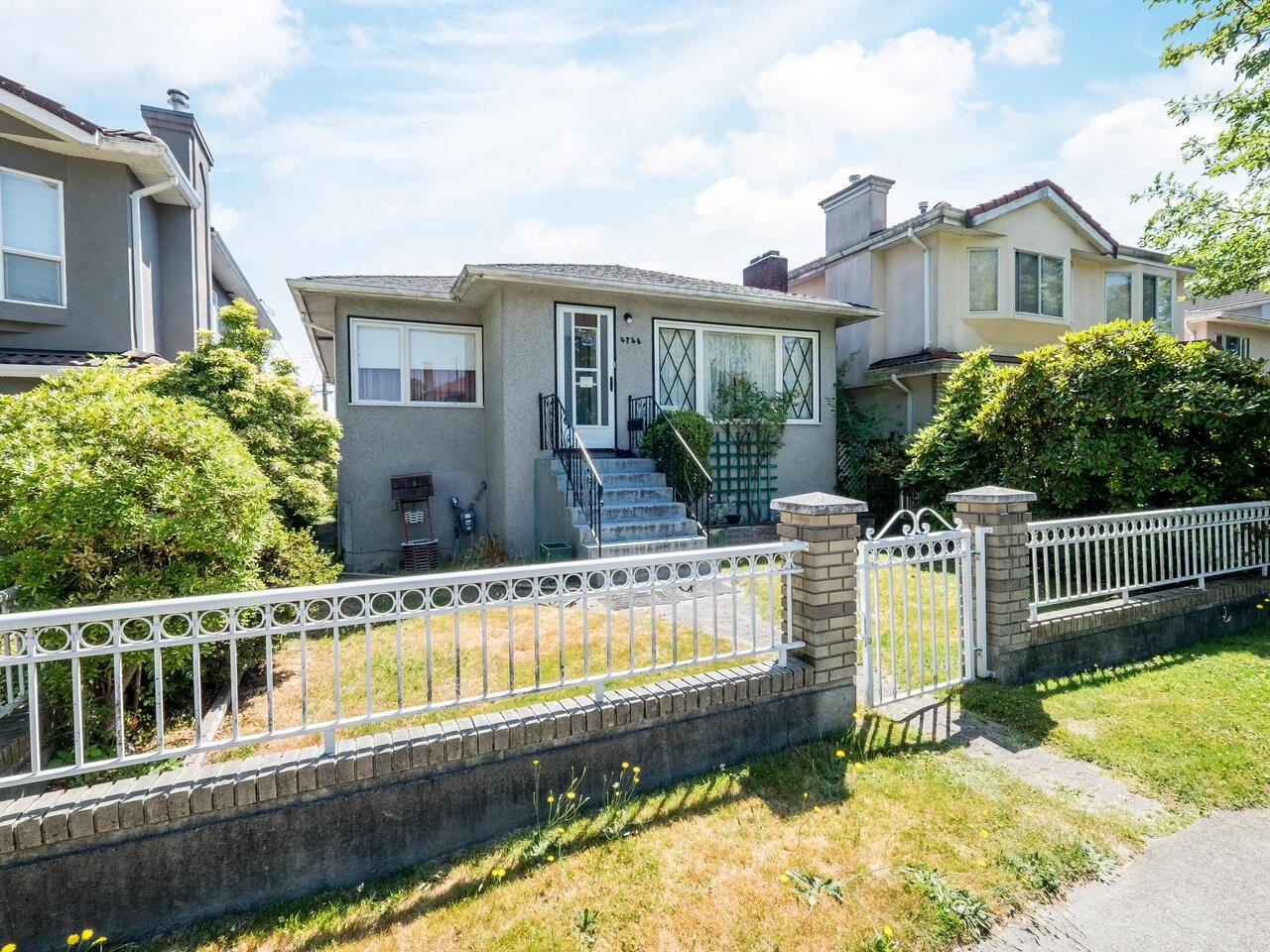 4744 INVERNESS STREET - Knight House/Single Family for sale, 4 Bedrooms (R2602973) - #1