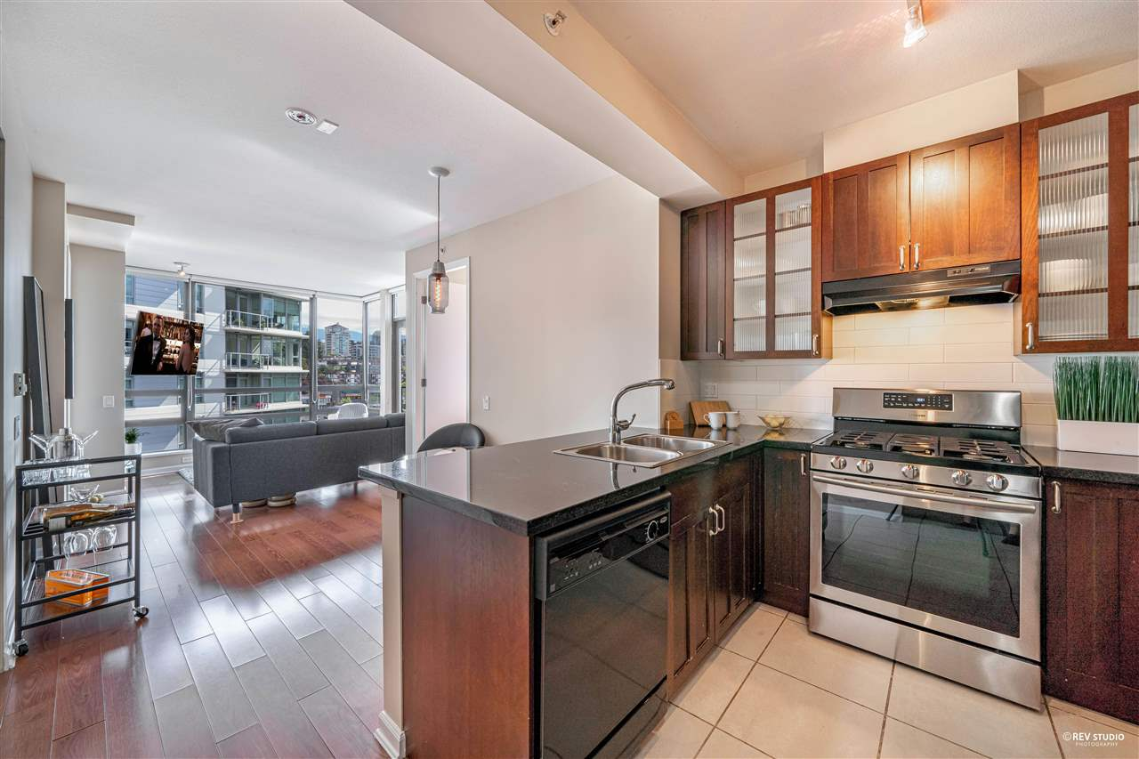 1201 170 W 1ST STREET - Lower Lonsdale Apartment/Condo for sale, 2 Bedrooms (R2603325) - #2