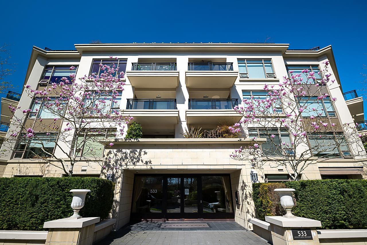 301 540 WATERS EDGE CRESCENT - Park Royal Apartment/Condo for sale, 2 Bedrooms (R2603375) - #1