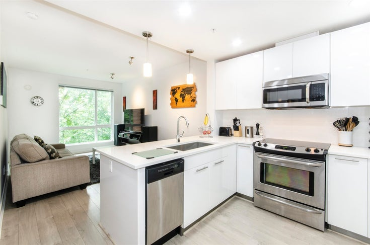 404 733 W 3RD STREET - Harbourside Apartment/Condo for sale, 1 Bedroom (R2603581)