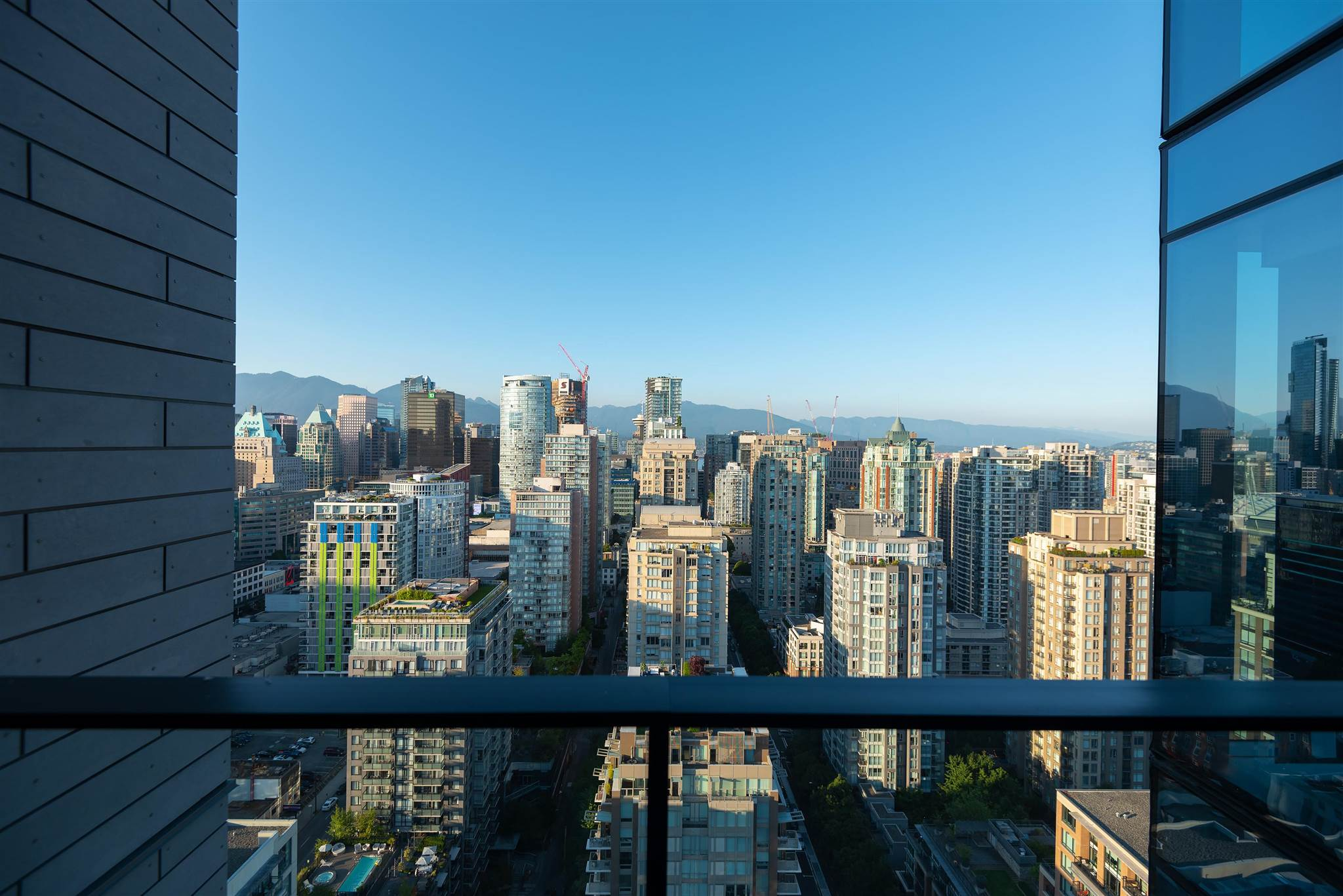 3202 1111 RICHARDS STREET - Yaletown Apartment/Condo for sale, 3 Bedrooms (R2603597) - #1