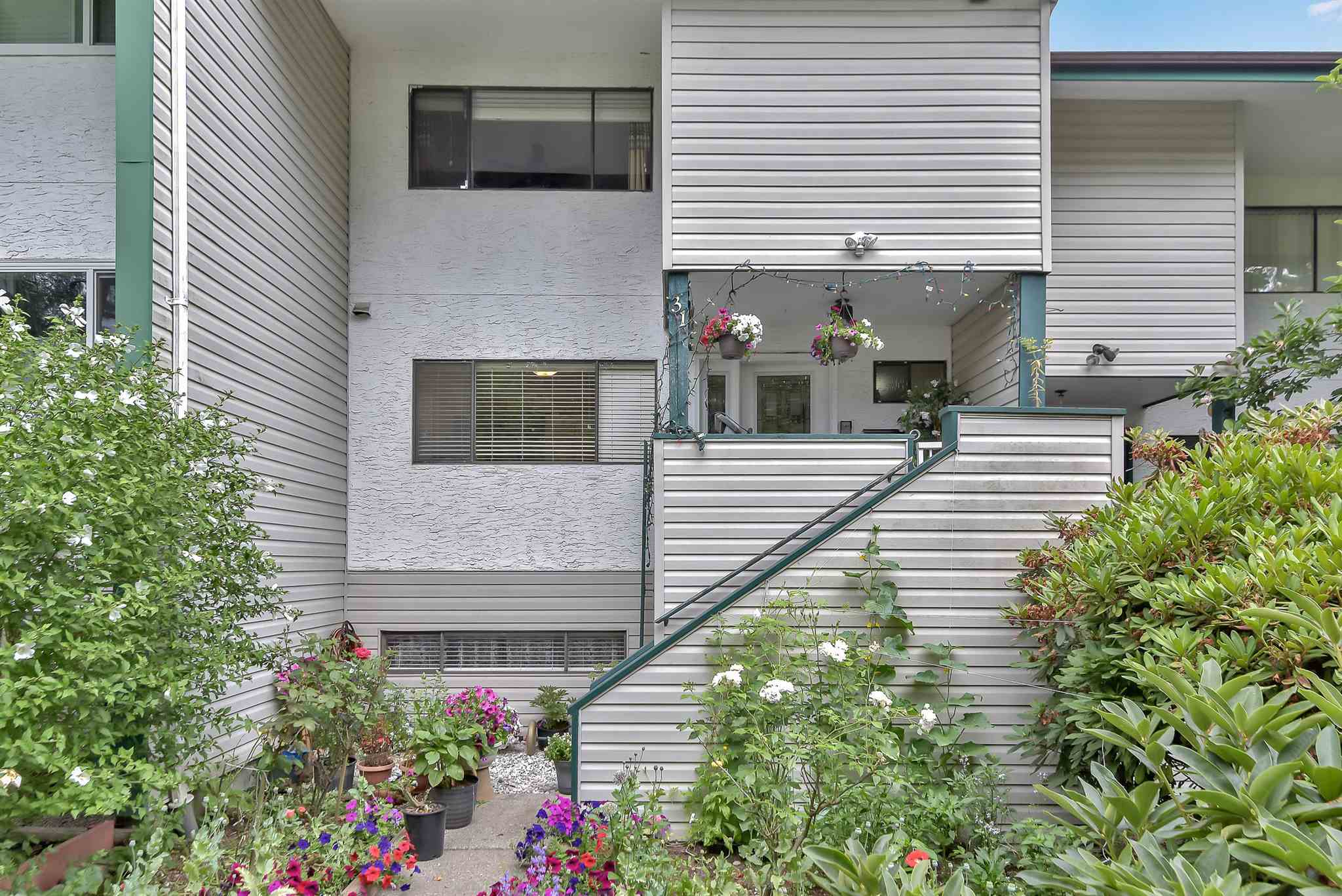 31 12045 93A AVENUE - Queen Mary Park Surrey Townhouse for sale, 4 Bedrooms (R2603608) - #2